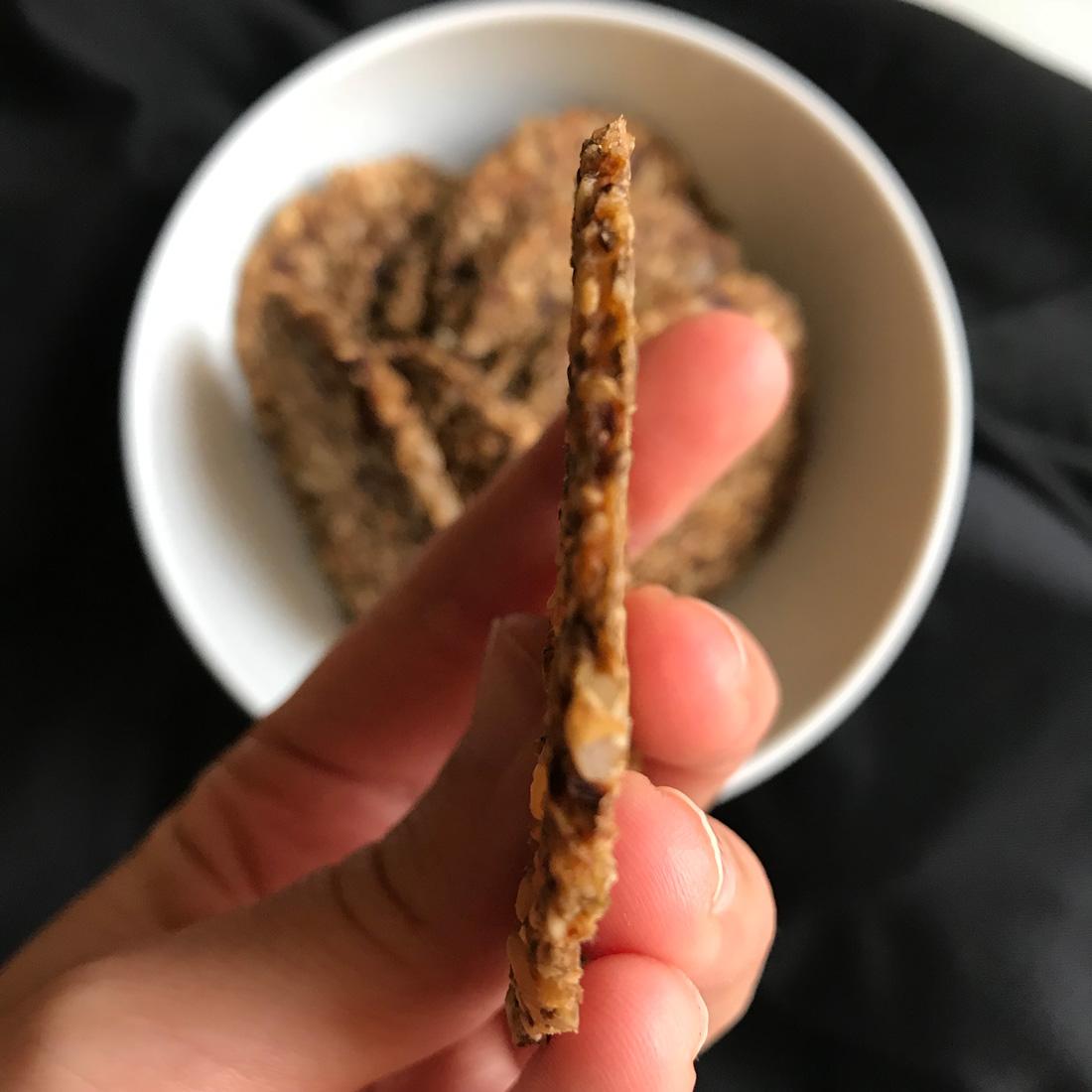 crackers de orégano y tomate seco Come Vive Viaja blog recetas
