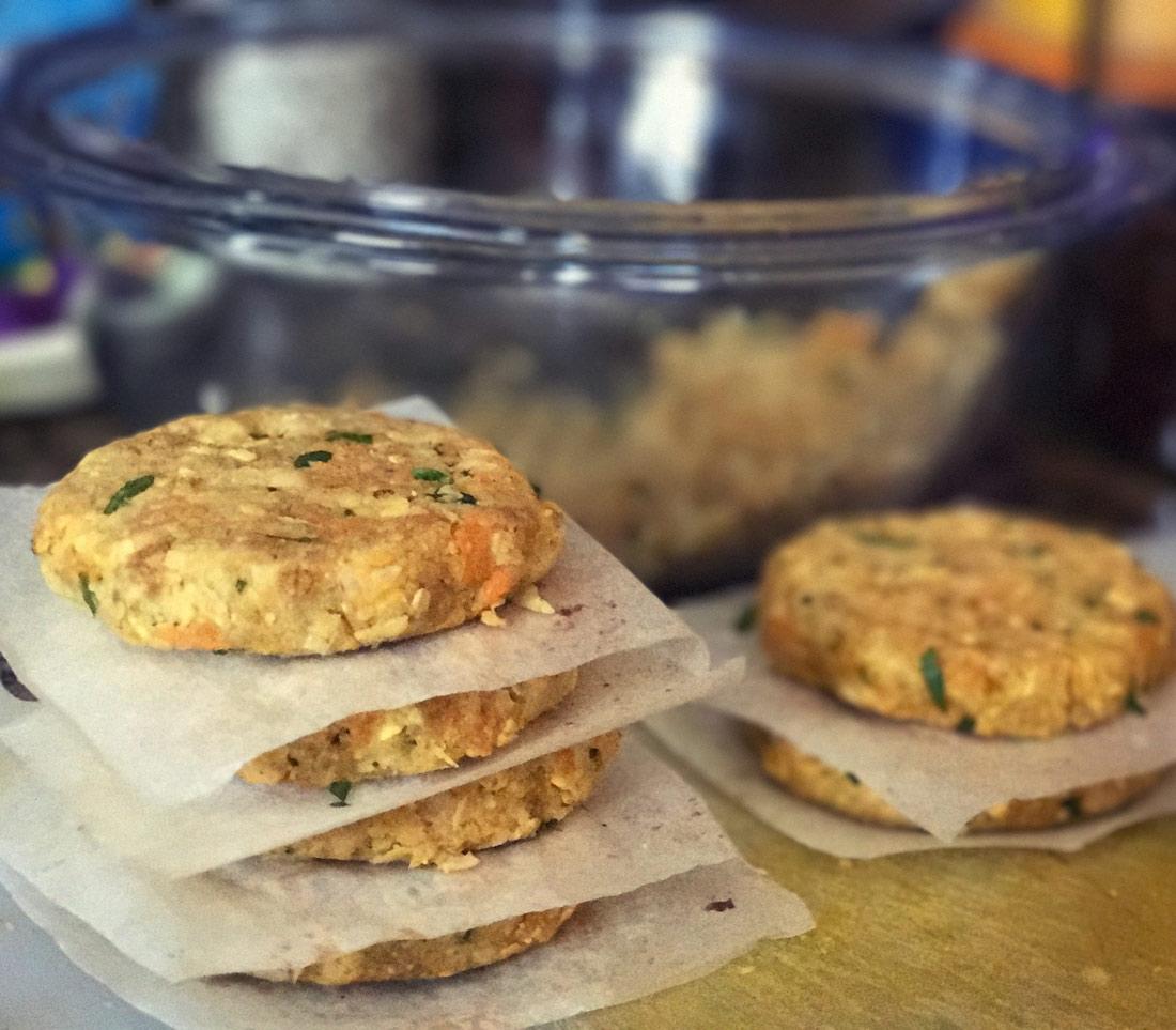 Hamburguesas vegetales veganas garbanzos Receta comeviveviaja
