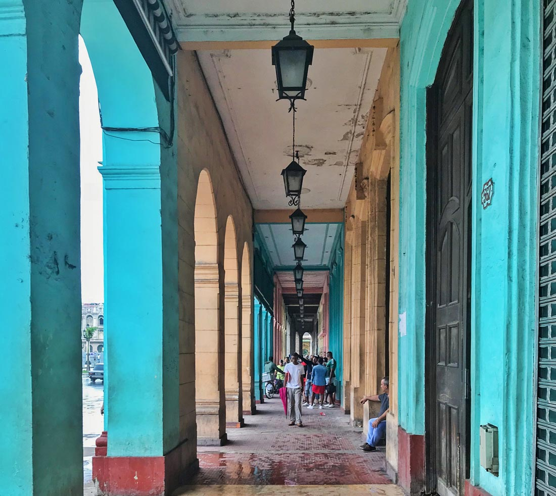 Qué hacer en La Habana. Imprescindible. Cuba. Soportales comeviveviaja
