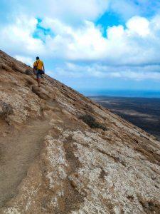 Ruta de la Caldera Blanca ladera volcán