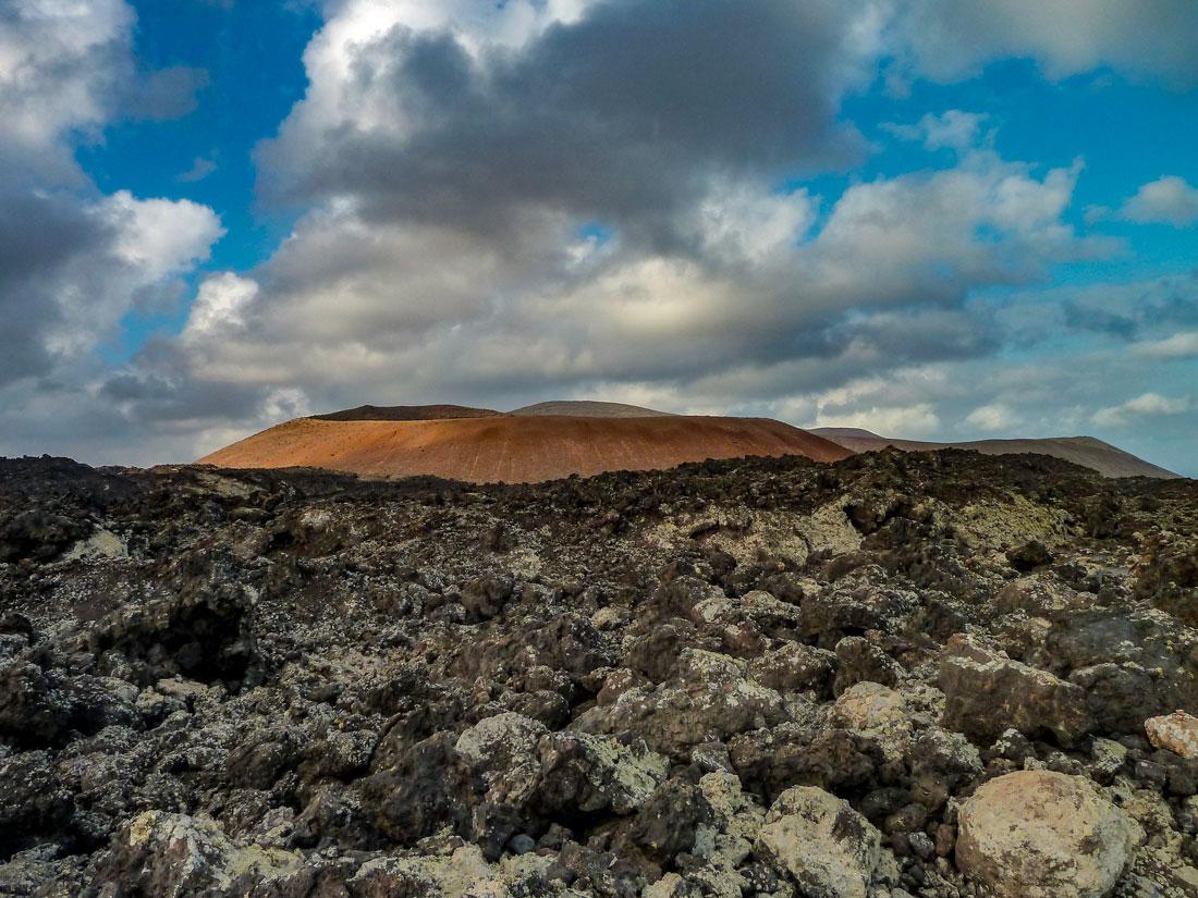 Ruta de la Caldera Blanca Caldereta volcan crater lava Lanzarote isla