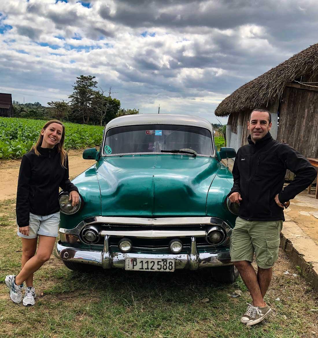 Itinerario 15 días Cuba Ruta Plantación secadero de Tabaco, Pinar del Río, Viñales, Cuba taxi