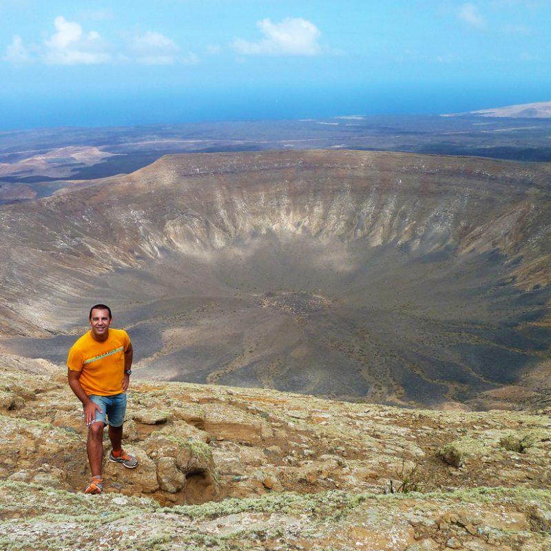 Ruta de la Caldera Blanca Lanzarote cráter volcán comeviveviaja