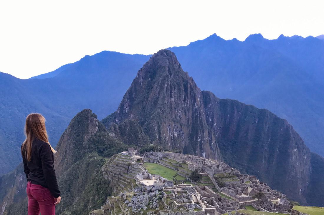 Cómo llegar a Machu Picchu y visitar Huayna Picchu Come Vive Viaja vistas paisaje chica blog