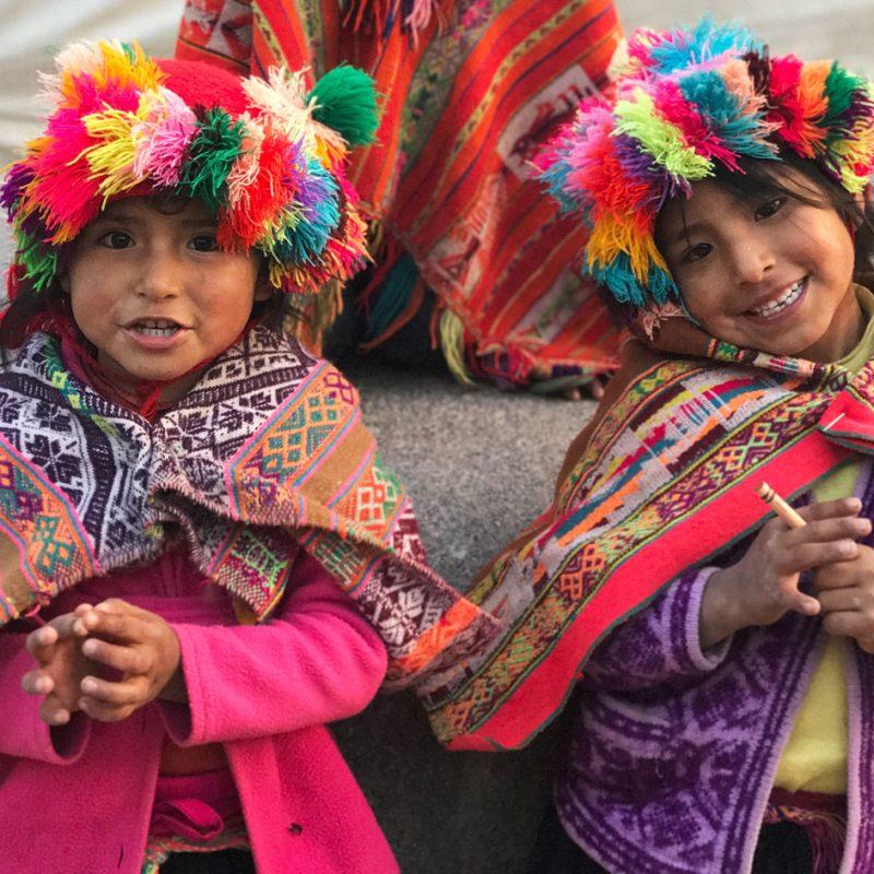 Itinerario Perú Come Vive Viaja retrato niñas peruanas blog viajes