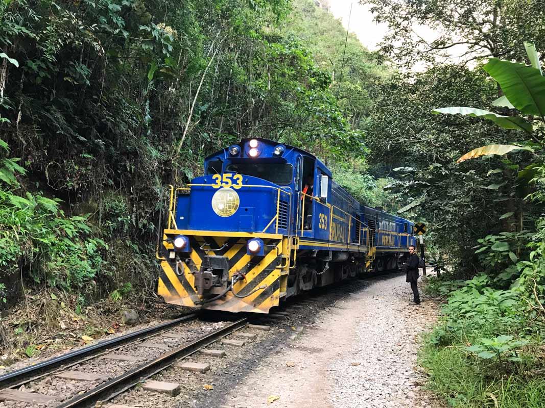 Come Vive Viaja Todo lo que necesitas saber para visitar Machu Picchu y Huayna Picchu Wayna tren Aguas Calientes Hidroeléctrica