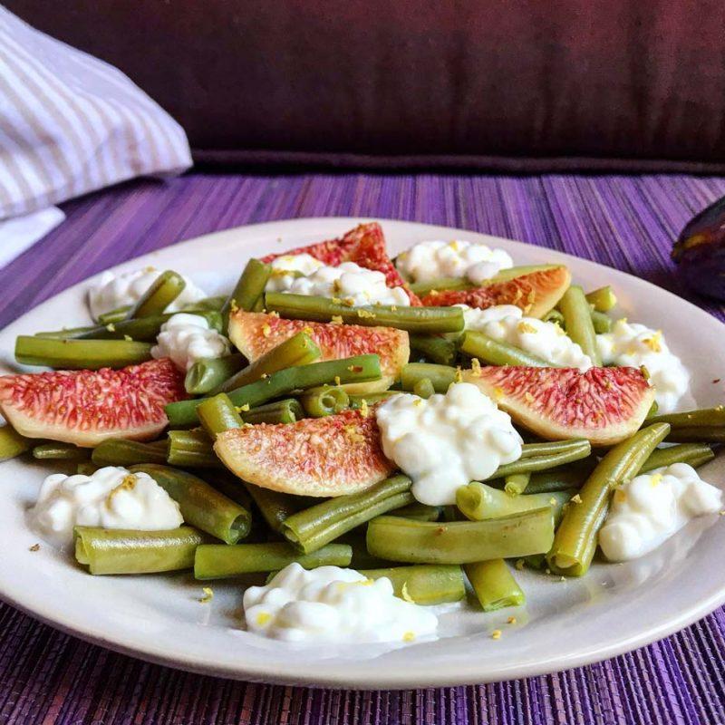 Ensalada de judías, higos y queso cottage receta verano refrescante