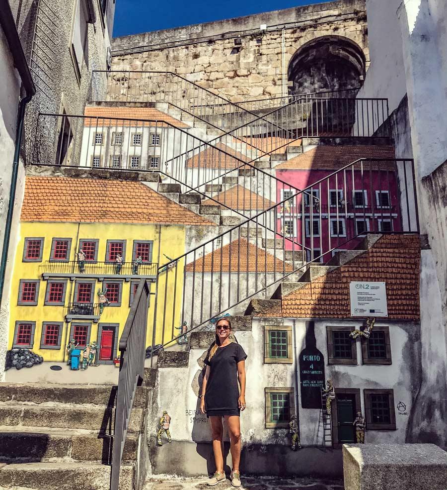 Qué ver en Oporto. Sitios Imprescindibles. Qué visitar. Escapada Blog Come Vive Viaja arte urbano Gaia