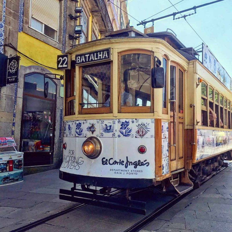 Tranvía cómo moverte por Oporto Dónde aparcar blog Come Vive Viaja