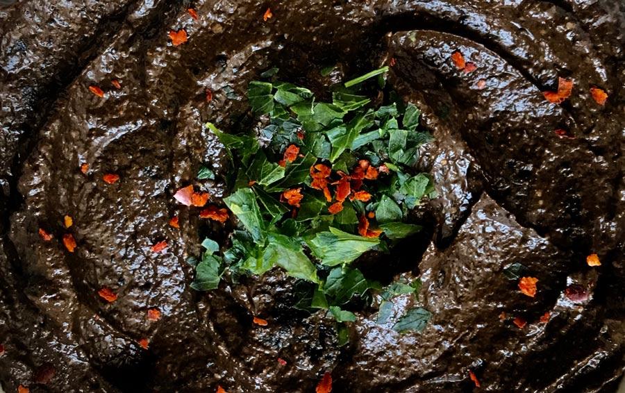 Black Guacamole Come Vive Viaja Blog recetas Irene paté vegetal de ajo negro y aguacates