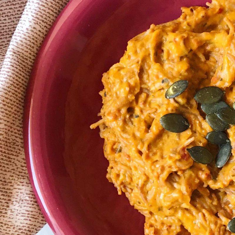 vegan mac & cheese versión vegana pasta y queso salsa receta Come Vive Viaja