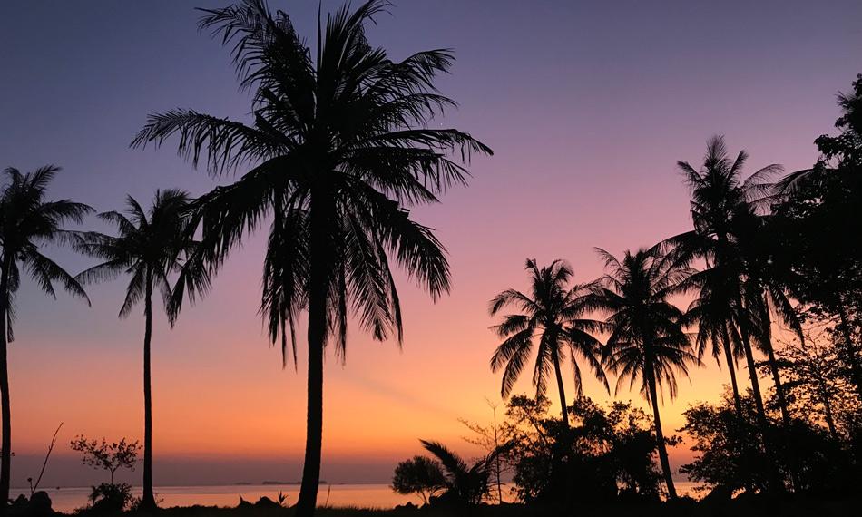 Cómo organizar tu viaje por libre a Indonesia. Preparativos Atardecer Karimunjawa Java Come Vive Viaja
