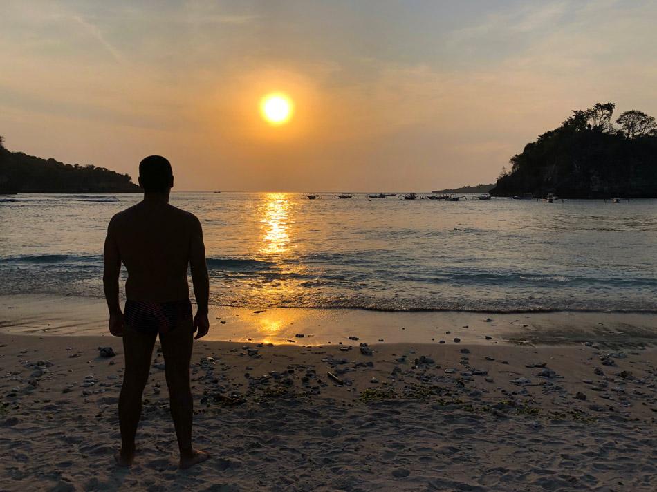 Qué ver en Indonesia Nusa Penida puesta de sol Crystal Beach