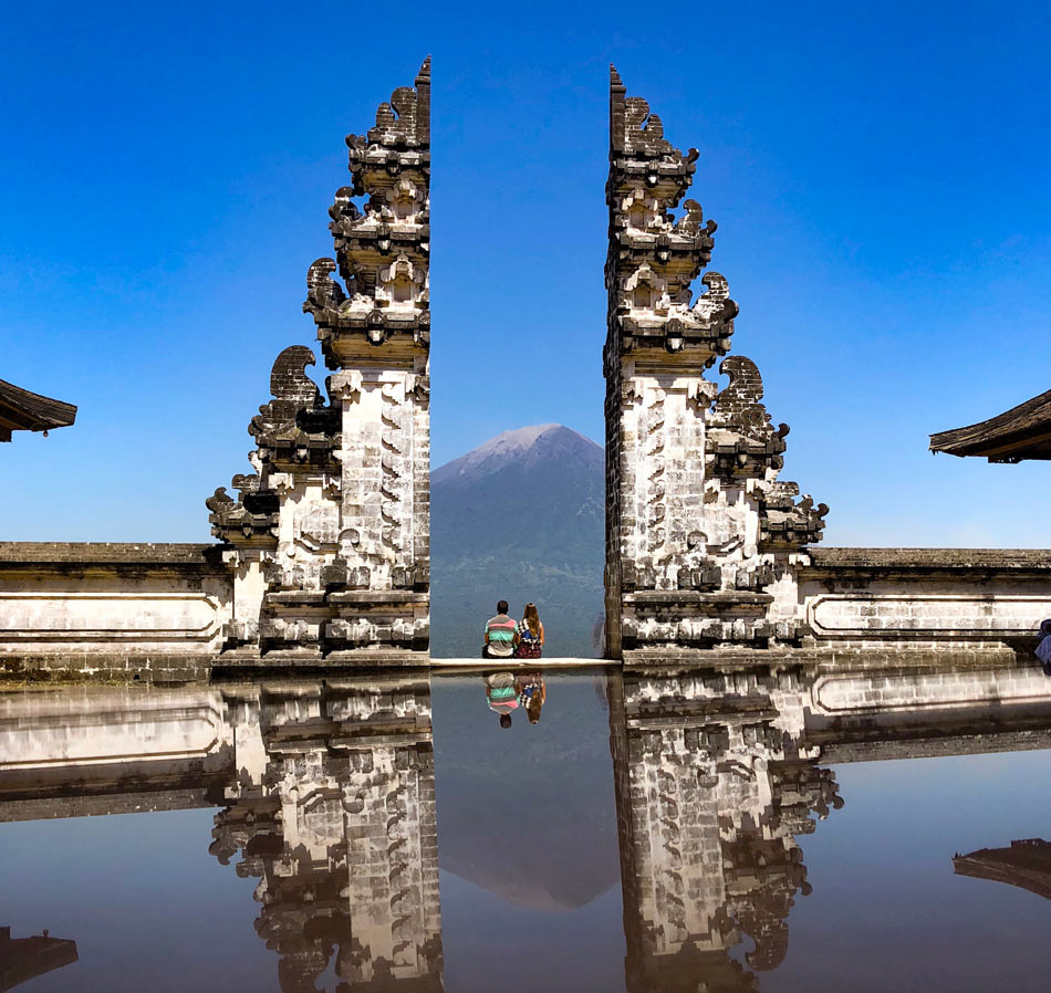 Cómo organizar tu viaje por libre a Indonesia. Preparativos Pura Lempuyang El templo más bonito Bali Come vive Viaja