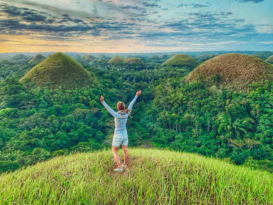 Seguro de viajes descuento Mondo Blog Come Vive Viaja Bohol Chocolate Hills