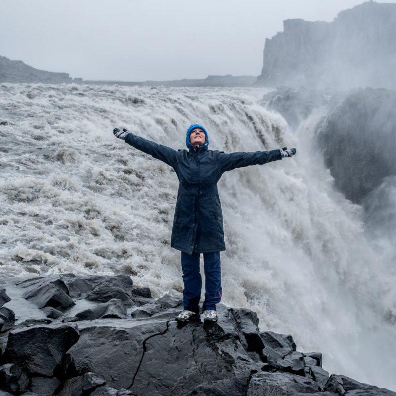 Seguro de viajes descuento Mondo Blog Come Vive Viaja Dettifoss Islandia