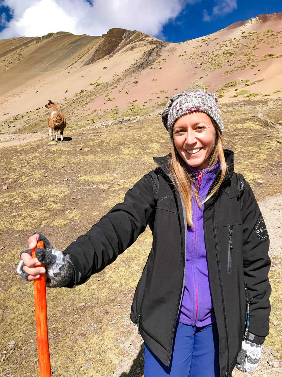 Excursión 1 día Rainbow Mountain, Montaña 7 colores, Arcoíris, Vinicunca, Colorada, Perú Red Valley alpaca llama vicuña