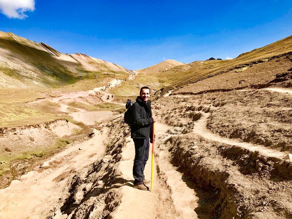 Excursión 1 día Rainbow Mountain, Montaña 7 colores, Arcoíris, Vinicunca, Colorada, Perú Red Valley comienzo ruta