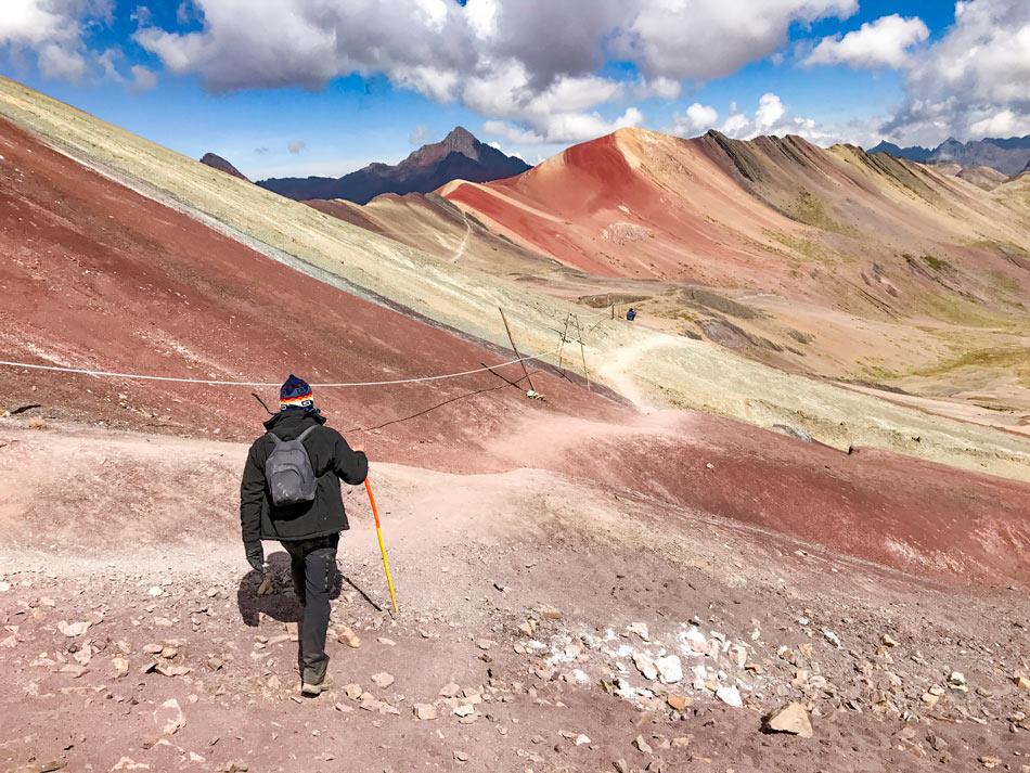 Excursión 1 día Rainbow Mountain, Montaña 7 colores, Arcoíris, Vinicunca, Colorada, Perú Red Valley