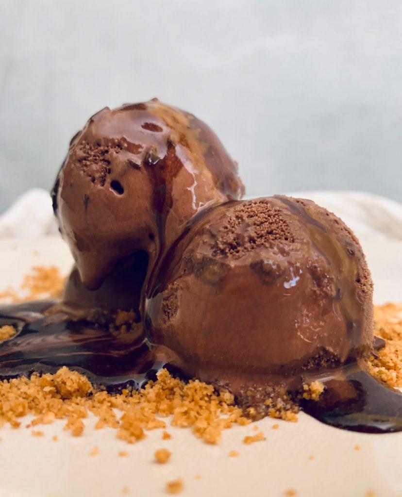 Helado de chocolate vegano y saludable receta cremoso rico Come vive Viaja