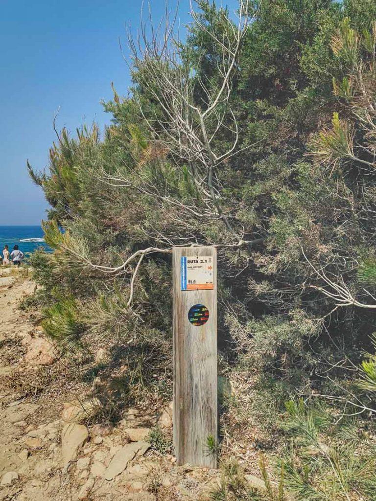 Faro de Punta Moscarter. Cómo llegar. Indicación. Dónde empezar la ruta