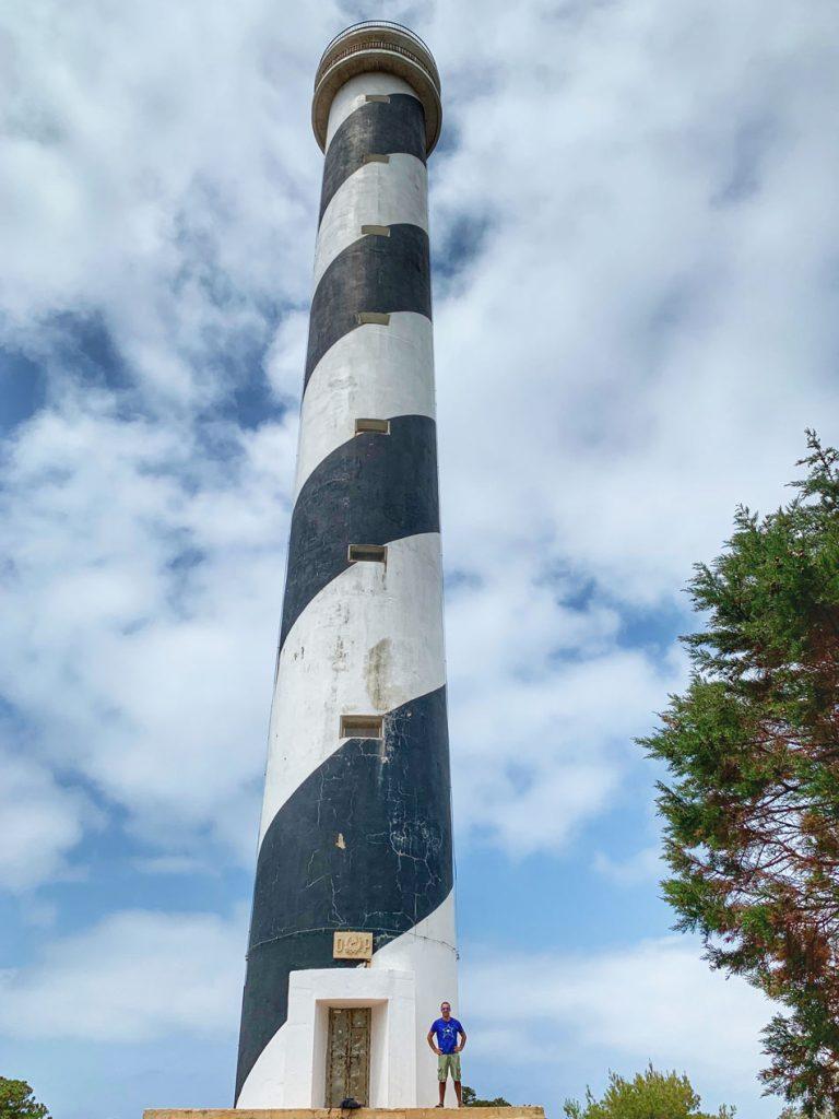 Faro de Punta Moscarter. Cómo llegar. Couple travel. Blog Viajes Come Vive Viaja