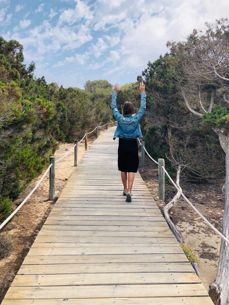 Formentera Low Cost. Barato, presupuesto, gastos, ahorrar. Blog Viajes Come Vive Viaja alojamiento mar