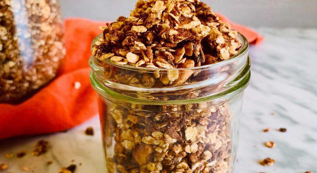 GRANOLA UNIVERSAL DE CHOCOLATE. Tus cereales saludables en 10 minutos
