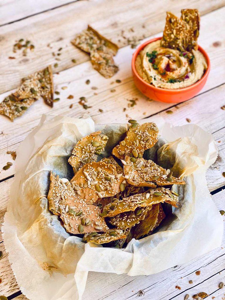 cómo hacer crackers de quinoa crujientes, fáciles
