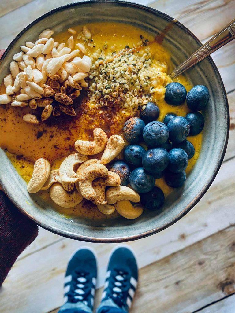 Curcuma Porridge Latte Come Vive Viaja, desayuno healthy